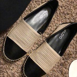 Shoes - Aldo flats